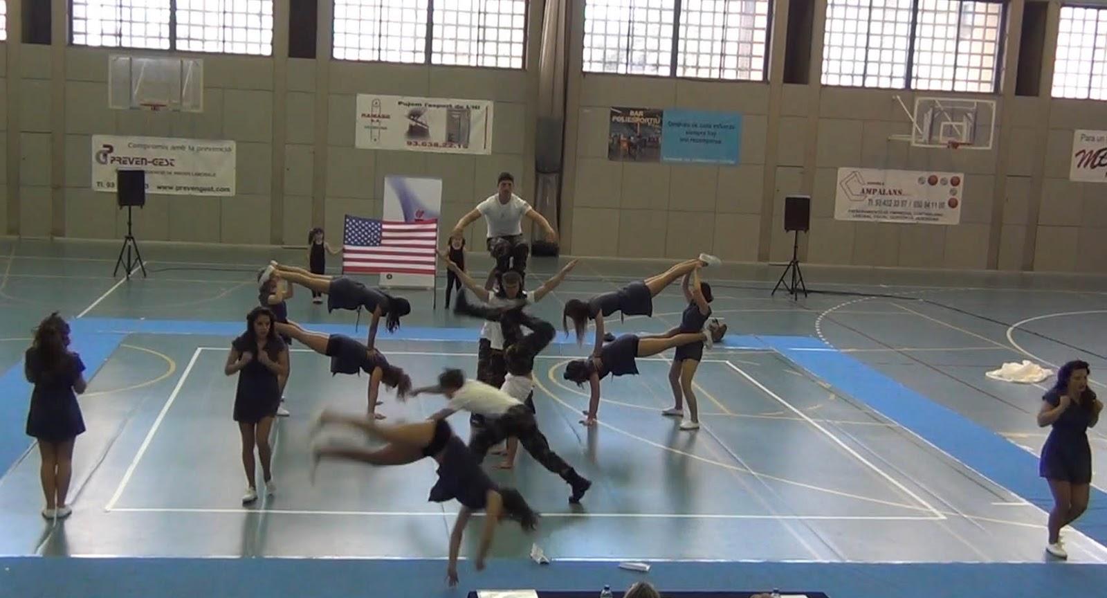 Escuela de danza y acrobacia gimnasio pir mide for Gimnasio hospitalet