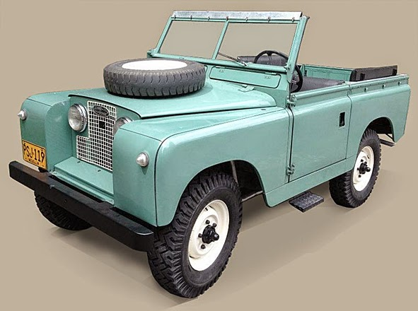 """LIFE TIME GEAR: """"ALFIE"""" 1960 LAND ROVER SERIES II 88 