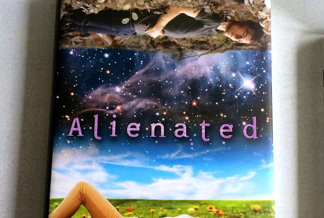 Rezension Alienated