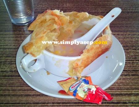 Zupa Soup yang sedang dinikmati
