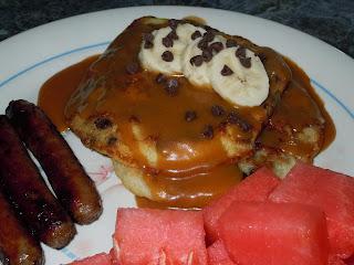 chunky monkey pancakes (banana, chocolate chip pancakes w/ peanut butter maple syrup)