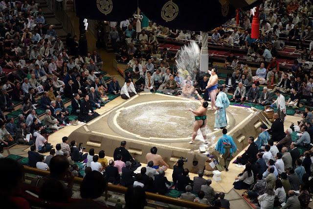Sumo wrestler throw salt