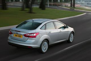 2012-Ford-Focus-07