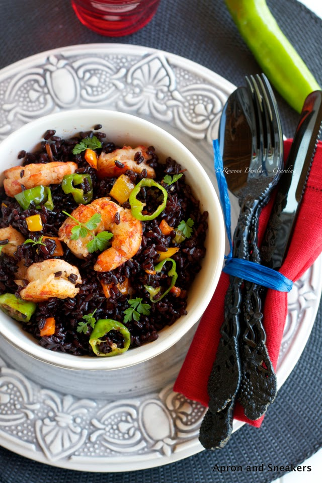 ... in Italy and Beyond: Black Venere Rice Stir-Fry With Shrimp & Peppers