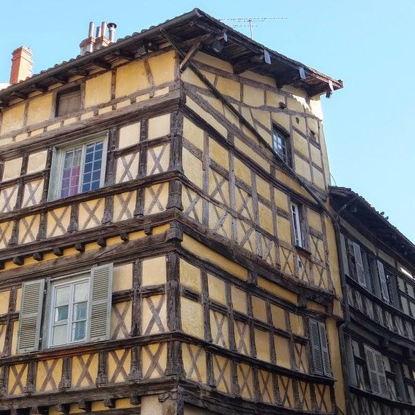 Ain Bourg-en-Bresse maison colombages
