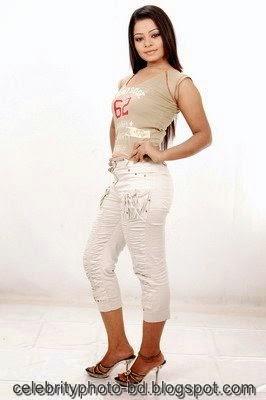Anjelika+Rahman+Latest+Hot's+Show+In+Skirts+And+Tops+Dress002