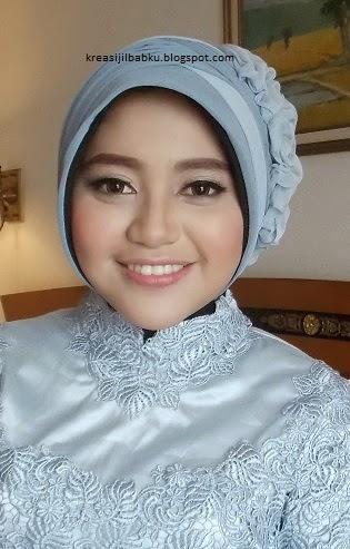 hijab dan makeup natural wisuda