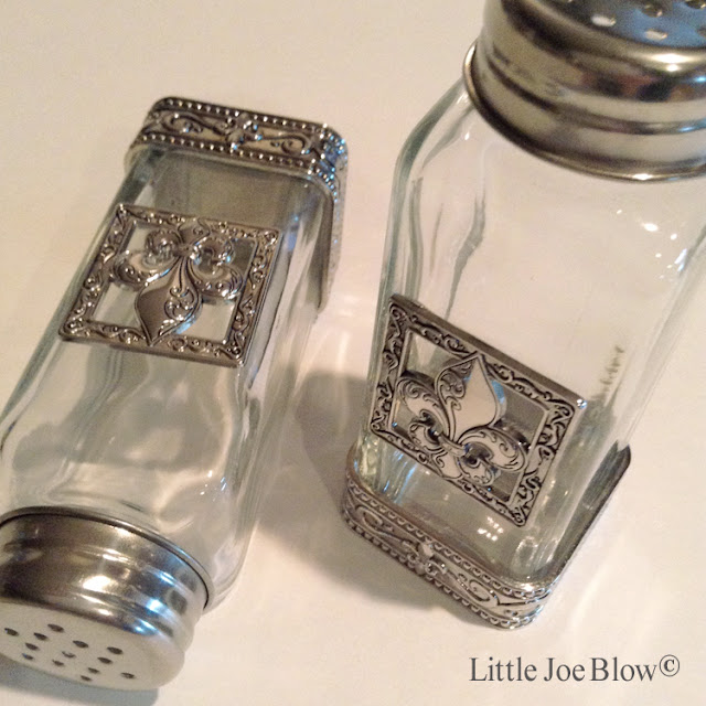 Fleur De Lis Salt and Pepper Shakers by Ganz photo 3
