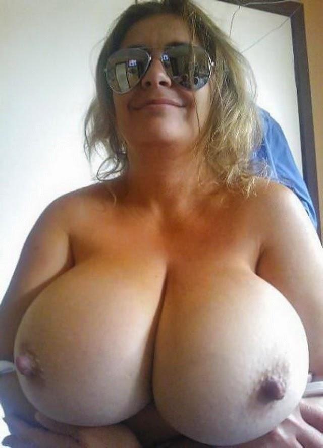 Фото больших сисек голых дам
