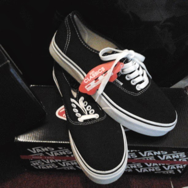 SEPATU VANS AUTHENTIC BLACK WHITE HF ORIGINAL  1b31b2a7d1