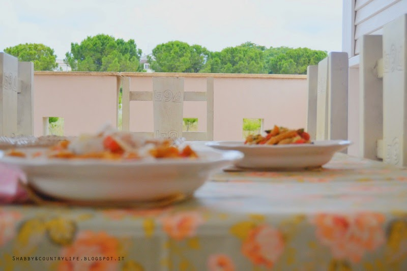 Tovaglia Shabby e pasta con Salsa Verde d'Avocado - shabby&countrylife.blogspot.it