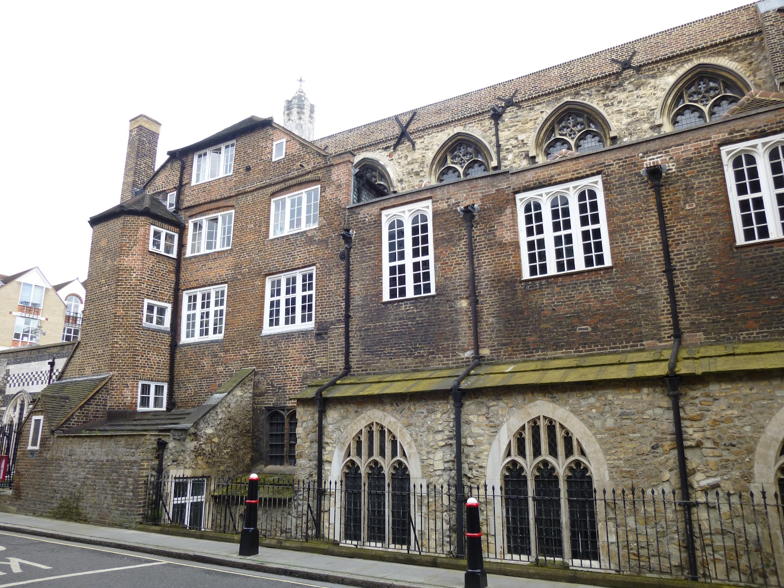 Of The Old Buildings In Cloth Fair Only One Townhouse Has Survived Which As Previously Mentioned Is 4142 Known Oldest House London