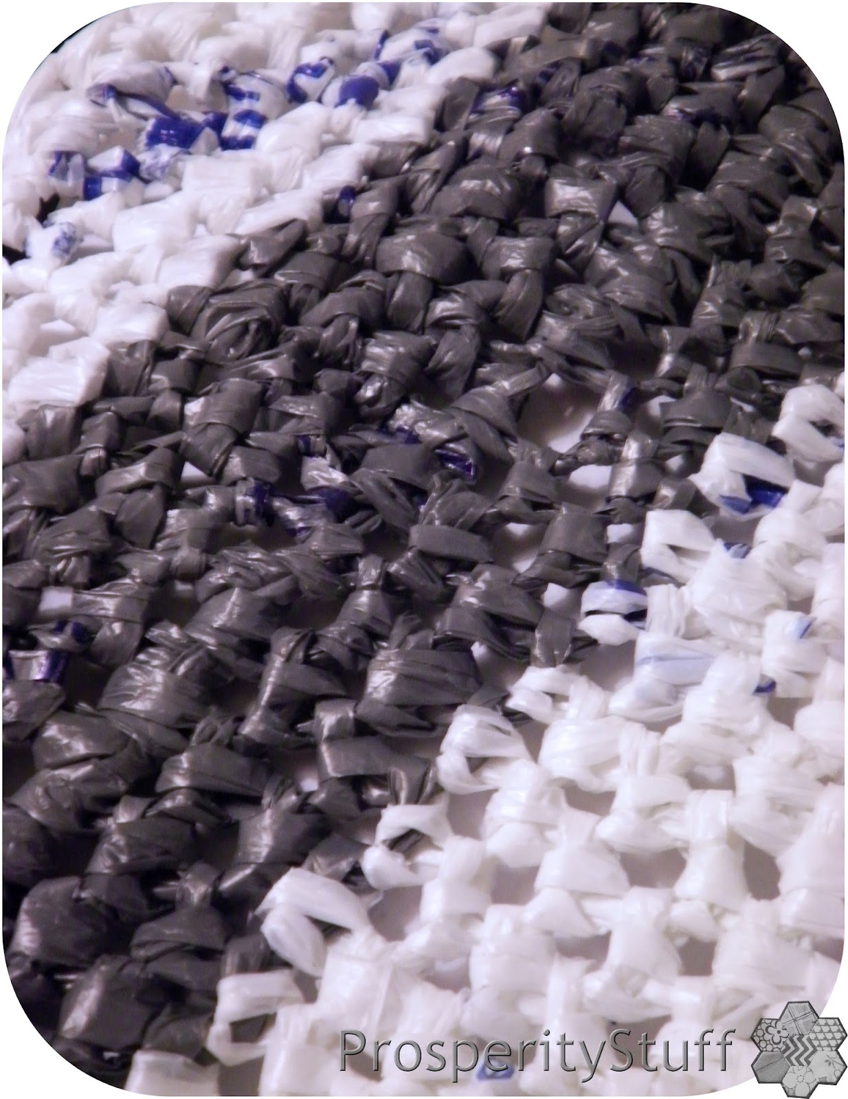 How To Make The Grocery Bag Sleeping Mats Annieofbluegables Plarn Or Plastic  Yarn For A Crocheted