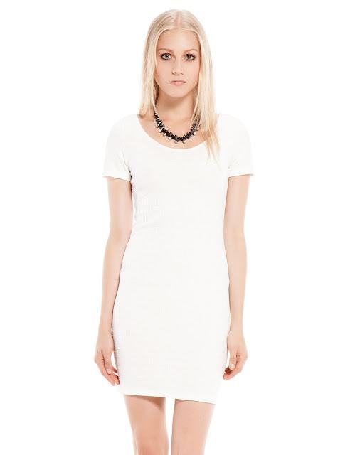 beyaz klasik elbise dekoltli yırtmaçlı