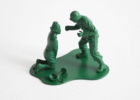 http://1.bp.blogspot.com/-BKwaN9wtqXg/Tzc7nb0uEoI/AAAAAAAALXk/77nEpI0k6ek/s1600/Dorothy_0025h-Casualties-of-War-Toy-Soldiers-.jpg