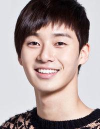Biodata Park Seo Joon pemeran Si Woo