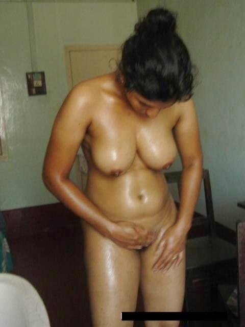 tamil aunties bathing nude hidden cam pics