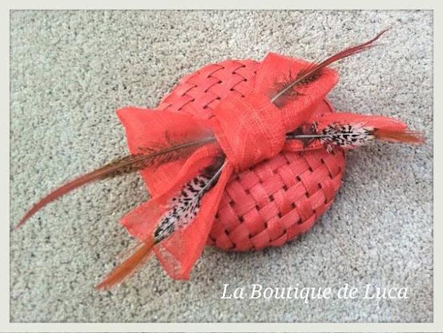 Tocado vintage en color coral. La Boutique de Luca