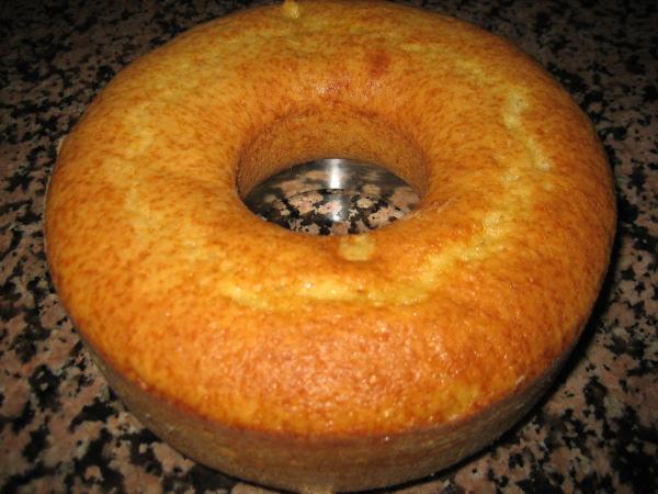 Todo sobre tortas y postres for Bizcocho de yogur y almendra