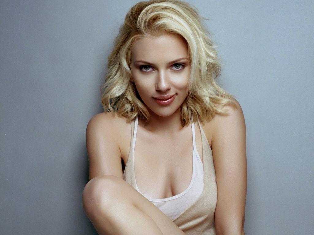 http://1.bp.blogspot.com/-BLVFbwKusqM/TdQXSWvFgsI/AAAAAAAAAdY/TsUPReqodUc/s1600/Scarlett-Johansson-64.jpg
