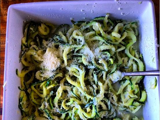 Low-Calorie Zucchini Pasta with Lemon & Pecorino