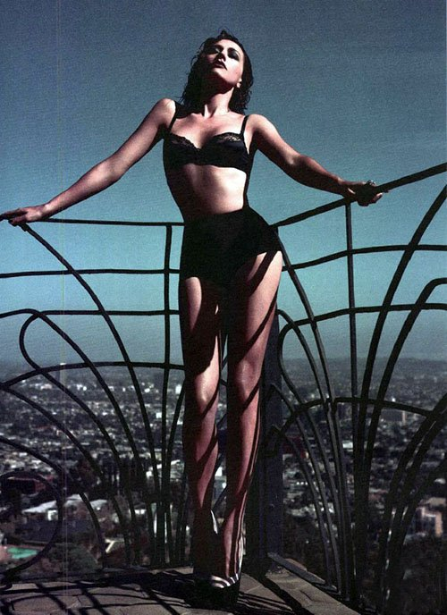 Rashida Jones, Flaunt magazine, Rashida Jones In the Flaunt magazine, Flaunt magazine 2012, Terry Richardson, Model Bikini