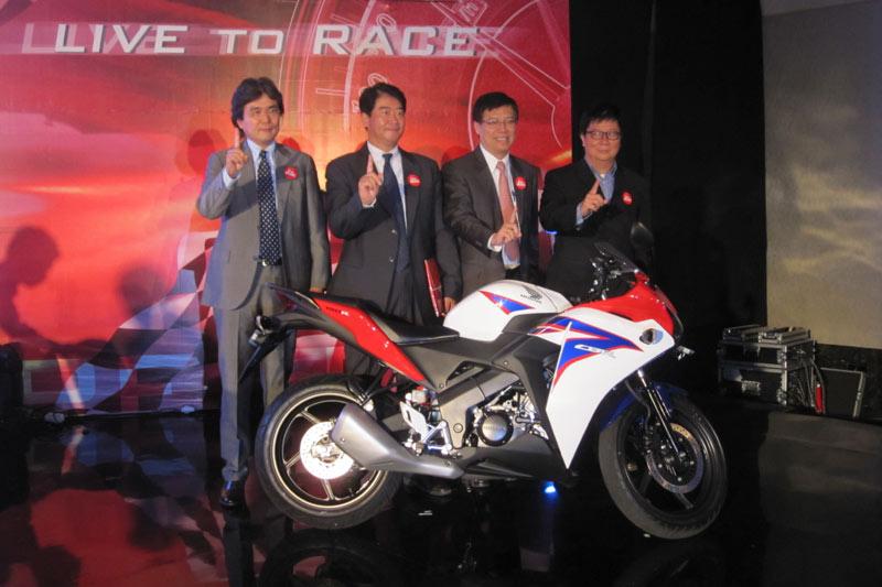 Honda CBR 150R 2011