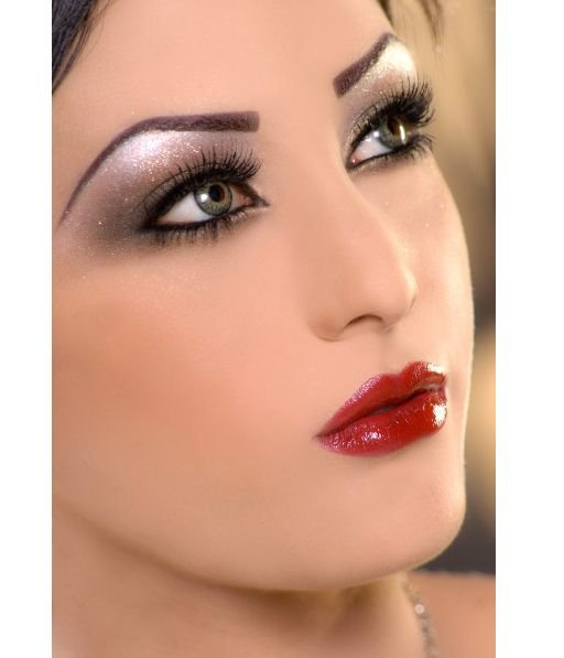 Fashion Eye Makeup. It is applicable to a make-up.