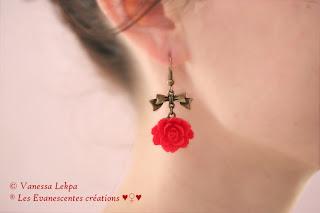 boucles d'oreille rose fleur rouge