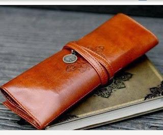 Image: Vintage Folding Cortex Makeup Cosmetic Bag