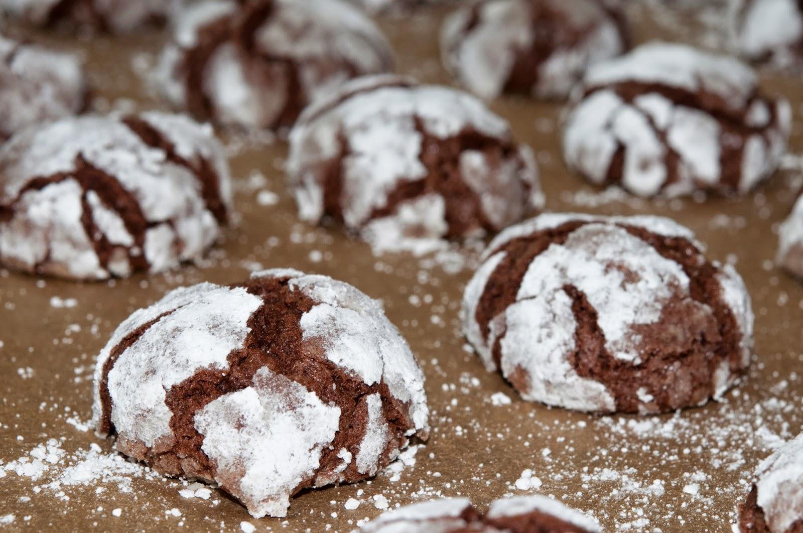 N Gluten: Chocolate Crackle Cookies