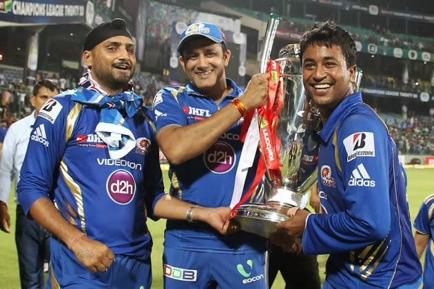 Anil-Kumble-MUMBAI-INDIANS-WIN-CLT20-2013