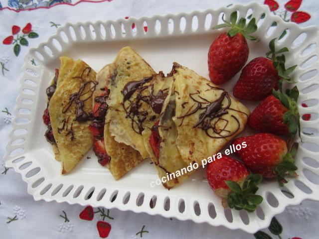 Cocinando para ellos filloas rellenas de fresas y chocolate - Cocinando para ellos ...