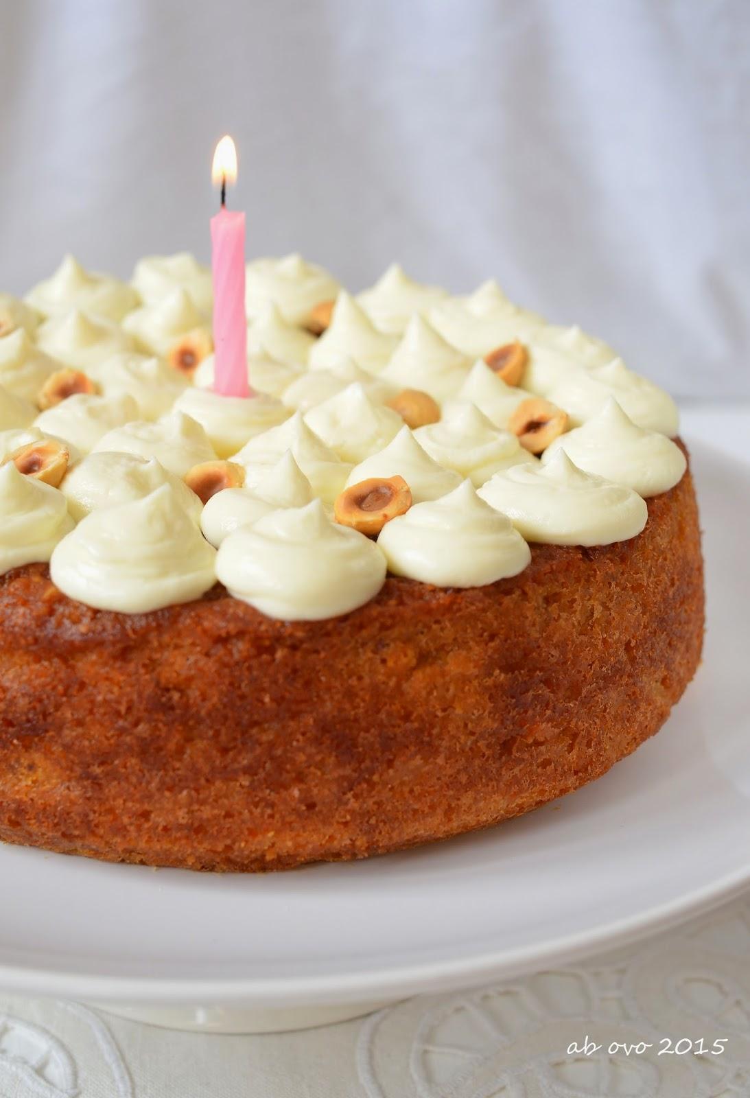 Torta-carote-e-nocciole-carrot-cake