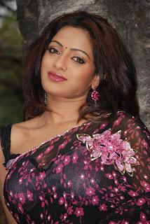 Udaya Bhanu saree sexy pictures