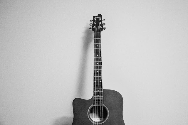 Random black and white photo of Guiter
