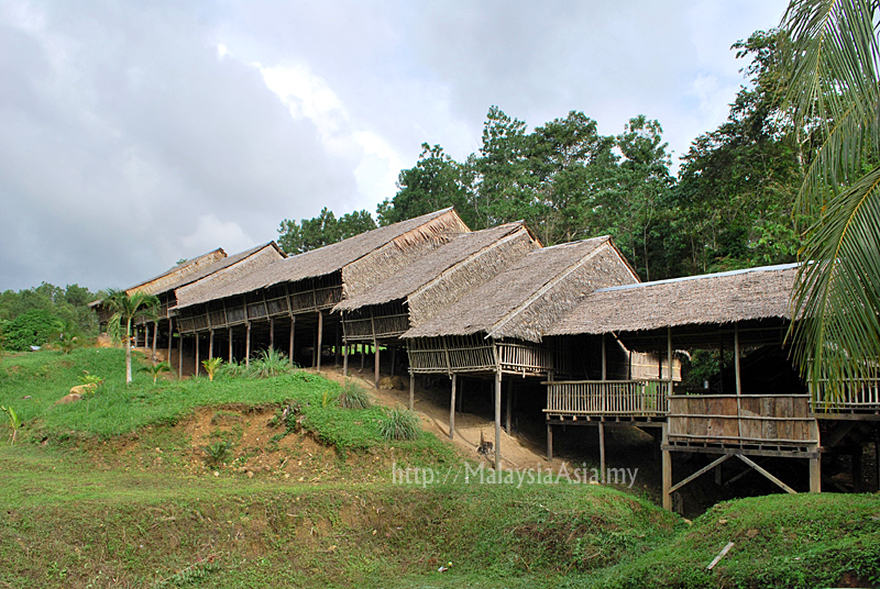 Rungus longhouse picture of the week malaysia asia for Longhouse birdhouse