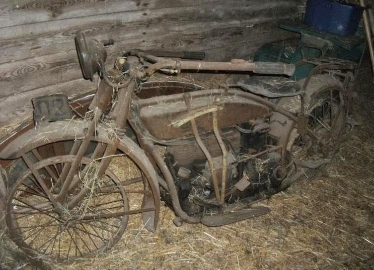 Vintage Cars Found In Old Barn