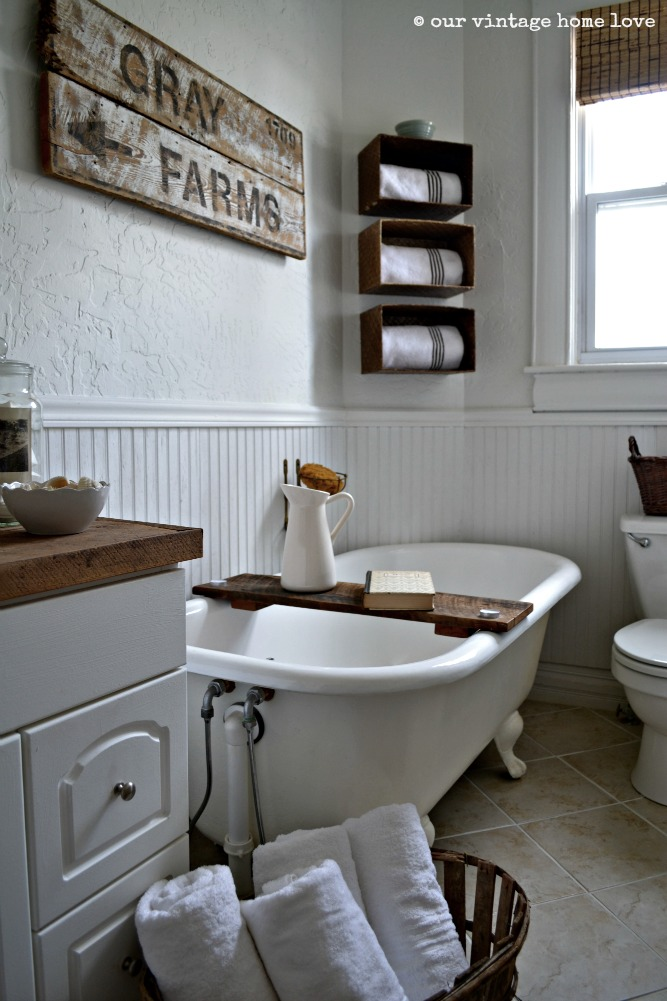 Our vintage home love farmhouse bathroom for Bathroom decor farmhouse