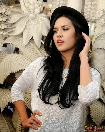Koleksi Foto Cantik dan Seksi Penyanyi Raisa Andriana Terbaru RaisaAndriana