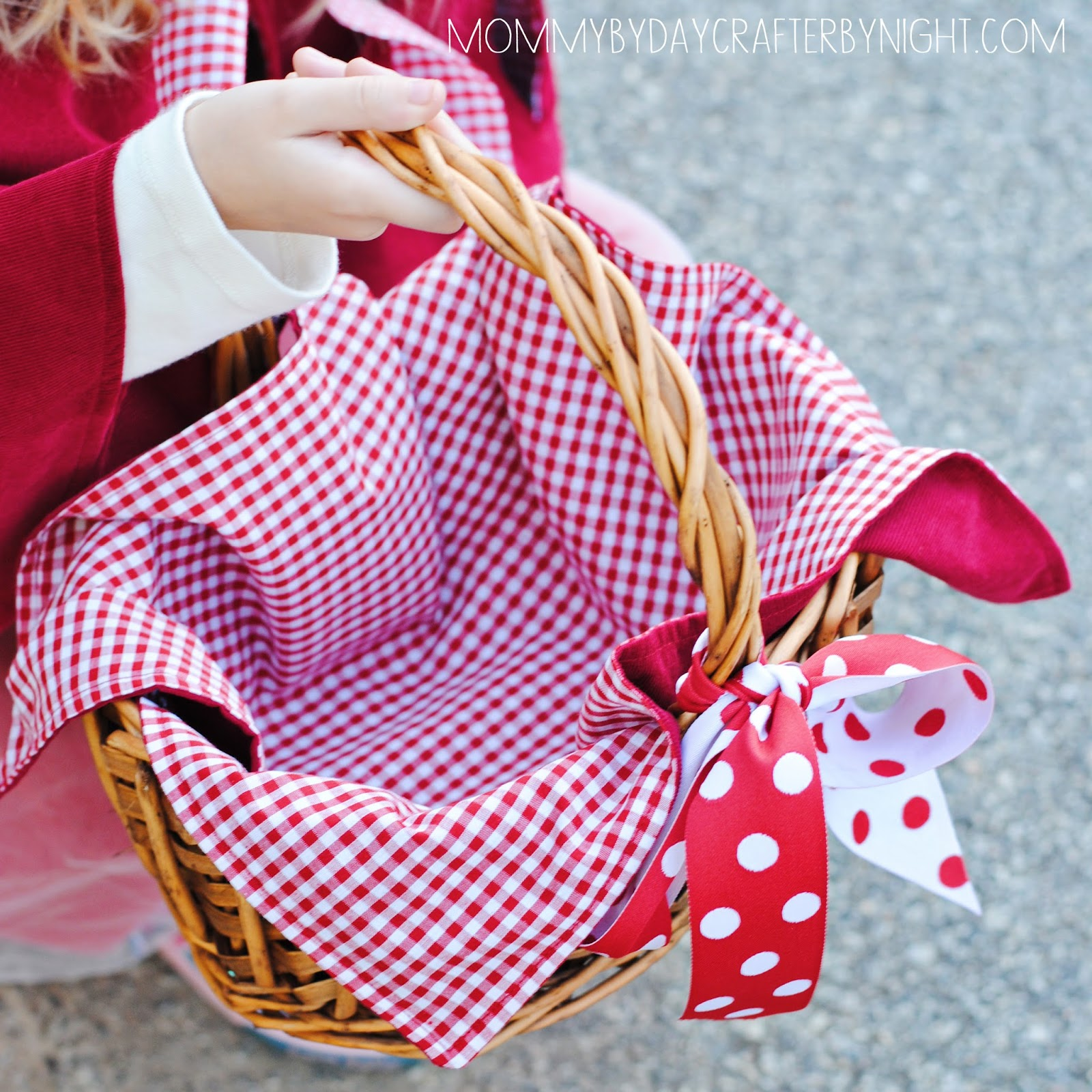 White apron hobby lobby - The Last Element For The Costume Was Little Red S Basket I Found The Perfect Basket At Hobby Lobby And Used Leftovers Of The Fabrics And Ribbon To Make A