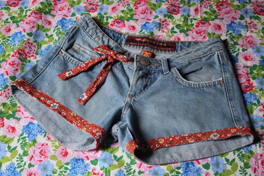 Customizando  Bermuda Jeans