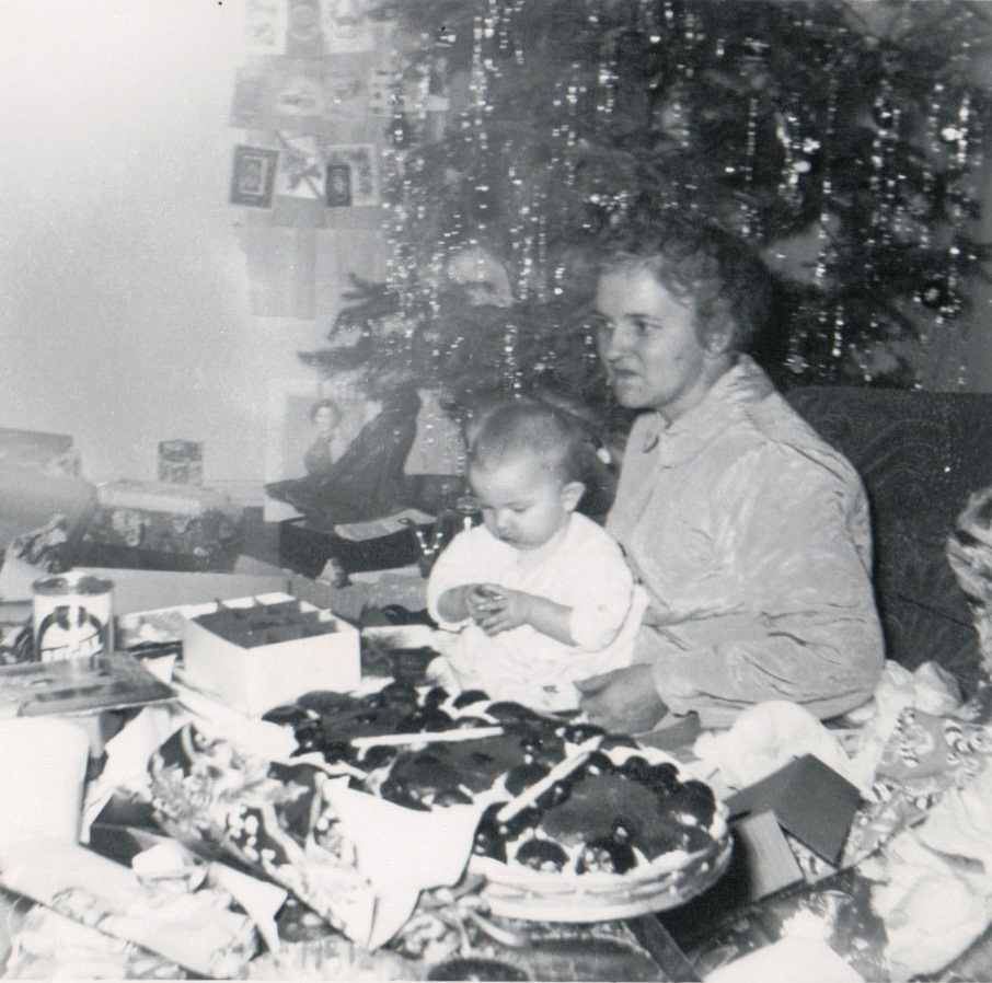 the unforgettable memory of my first christmas with my family and relatives What is your most unforgettable memory i asked my 90-year-old grandmother, the sheriff's widow  the midnight mob of 100 was composed of dozens of my relatives, both paternal and.