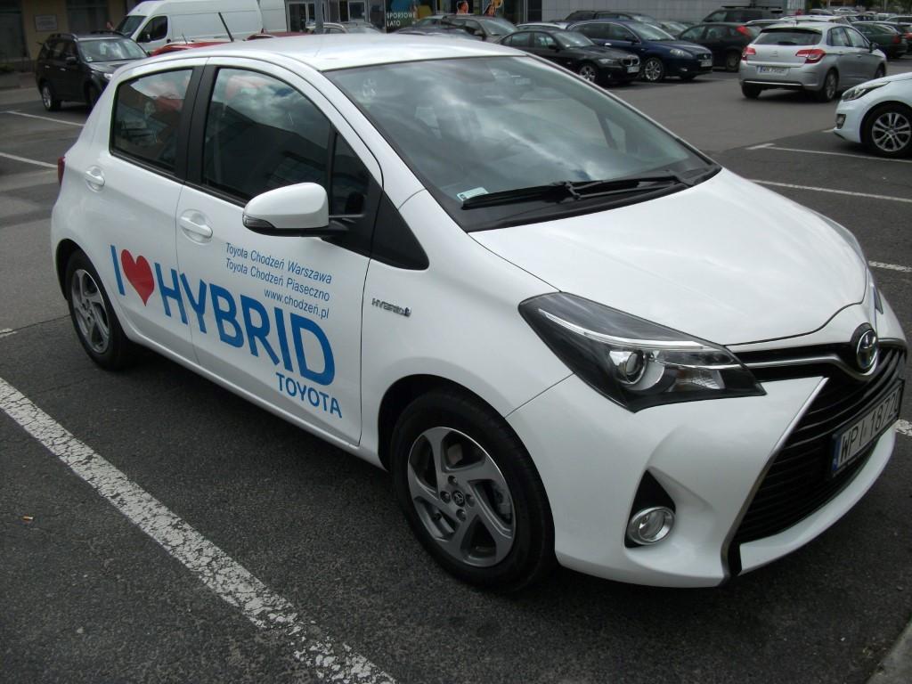 hybrydowa Toyota Yaris 100 kM