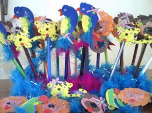 Ponteiras de lápis: variados animaizinhos. Ótima opção para lembrancinhas.