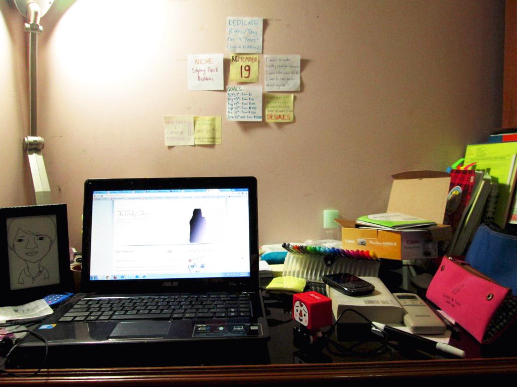 bedroom desk women style life tips