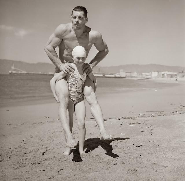 Fotografías antiguas excéntricas y extrañas The+Weirdest+Photos+of+Inventions++from+Bygone+Eras+(11)