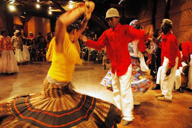 Associação Cultural Cachuera! lança Livro, CD e DVD sobre o batuque de umbigada do oeste paulista