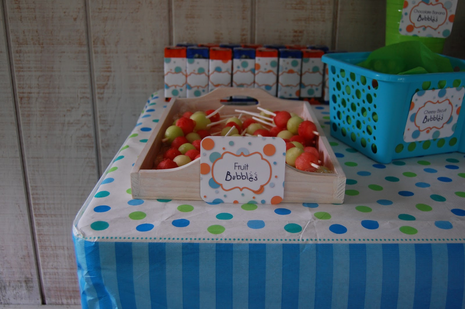 Beth kruse custom creations diy bubble guppies - Bubble guppie birthday ideas ...