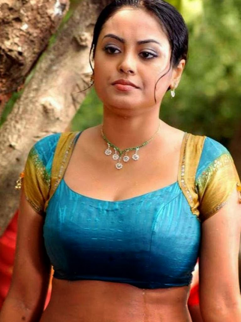 Tamil+Aunty+In+Blouse+Wallpapers007